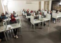 دورات تدريبية لطلبة وخريجي عمان العربية