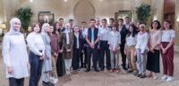 ولي العهد يلتقي عددا من طلبة المدارس الذين سيشاركون في جائزة إنتل الدولية