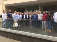 الصفدي بستقبل المهندسين الذين تعرضوا لاعتداء في كازاخستان