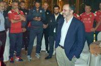 الأمير علي يلتقي لاعبي المنتخب الوطني