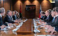 الملك يعقد مباحثات مع الرئيس الروسي بوتين