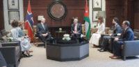 الملك يعقد مباحثات مع ملك مملكة النرويج في قصر الحسينية